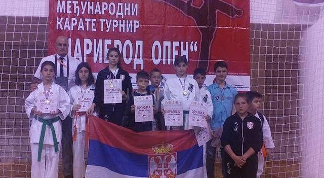 Karatisti osvojili 10 medalja