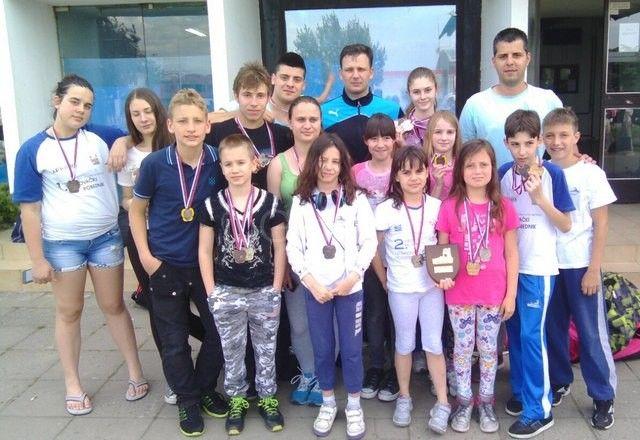 Plivači osvojili 17 medalja na Šarengradskom kupu