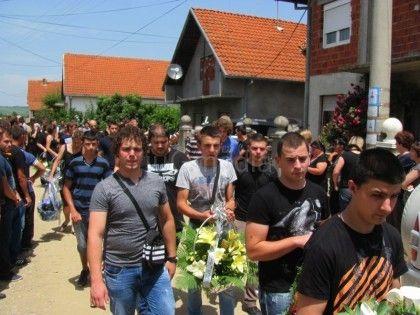 LESKOVAC01_sahrana Aleksandra Stojanovica_Drugovi_FOTO M Ivanovic