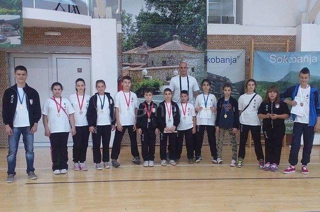 Karatisti Bushida osvojili 12 medalja