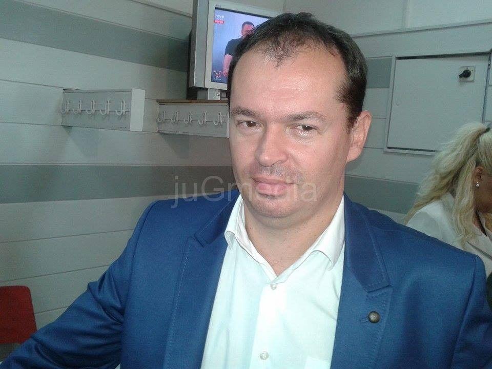 Simonović proziva da je SNS povećao izdvajanja za plate