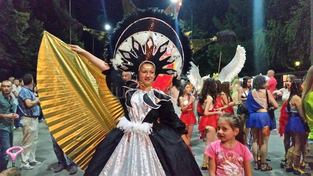 Leskovčanke i grupa sa Sardinije pobednice karnevala
