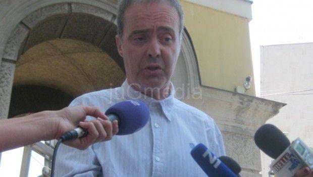Počelo suđenje književniku Zoranu Ćiriću