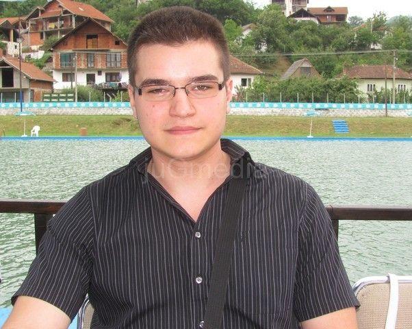 Nikola Stanojević đak generacije Ekonomske škole