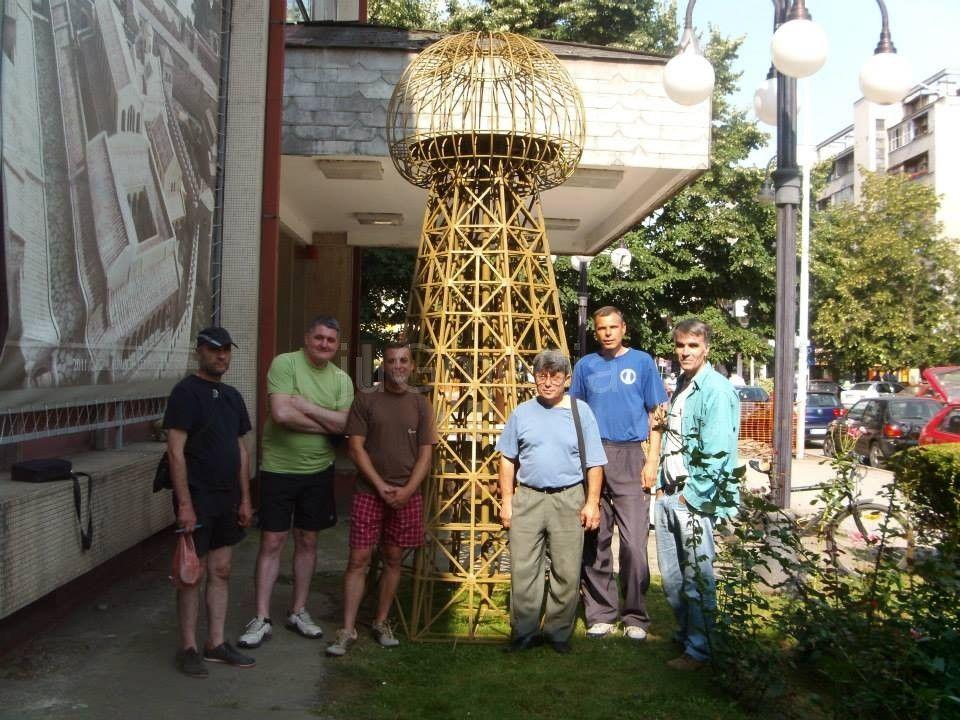 Teslin toranj izložen ispred leskovačkog muzeja