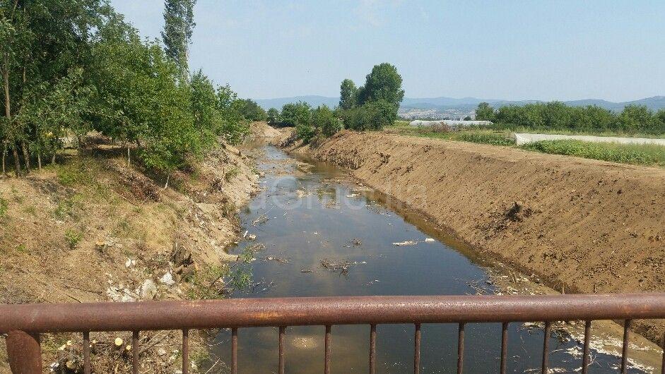 Čiste se korita i kanali koji su plavili Leskovčane