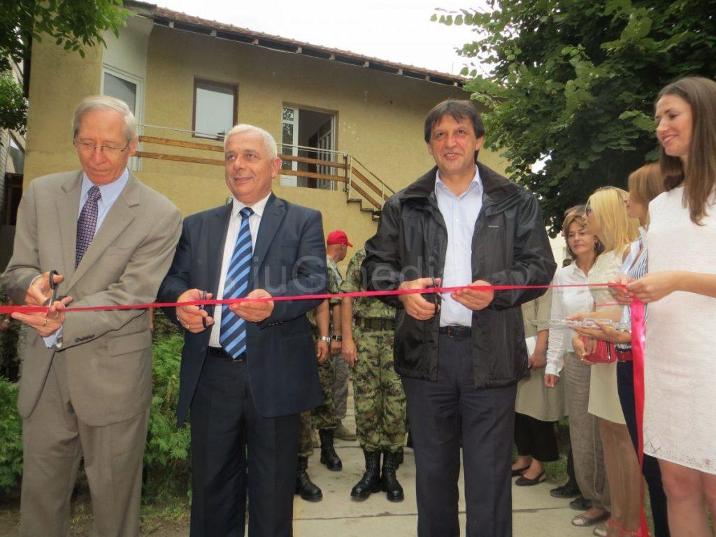 Gašić i Kirbi otvorili vrtić i školu (video i foto)