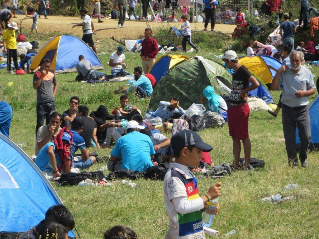 Lekari Zdravstvenog centra pomažu izbeglicama u Miratovcu