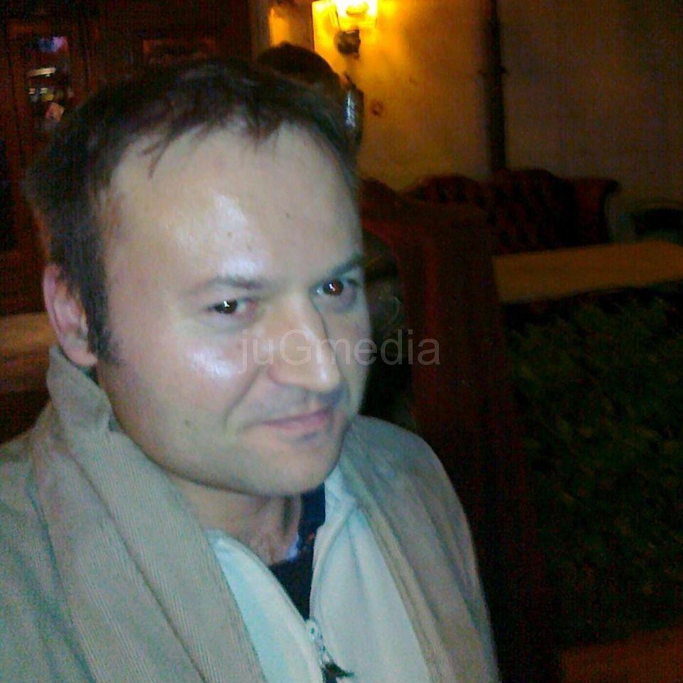 Aleksandar Višnjić: Vlast hapsi neistomišljenike a brani svoje