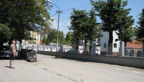 U podne zvonile crkve u Leskovcu