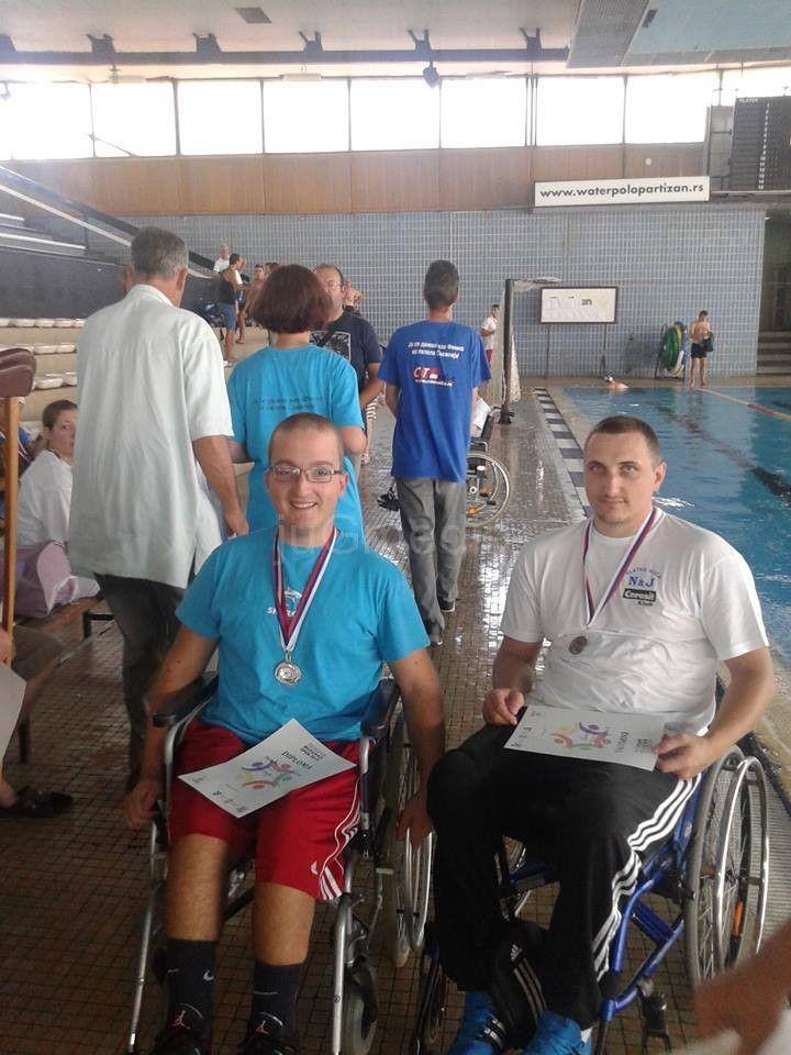 "Niški plivači osvojili 17 medalja na  ""Beograd openu"""