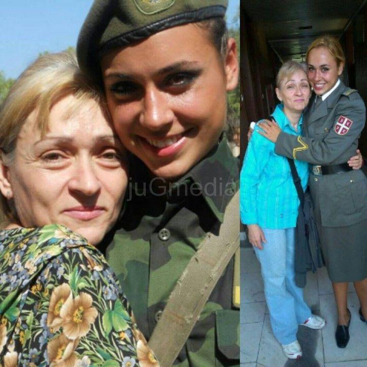 Iva Stankovic s majkom