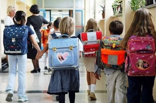 Učenici iz Draževca ponovo u klupama, problem prevoza delimično rešen