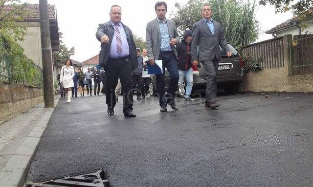 """Asfaltirane tri ulice, """"Invest gradnja"""" plaća penale zbog probijanja rokova"""