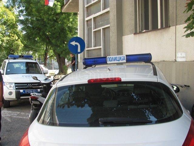 TUČA usred policijske stanice!