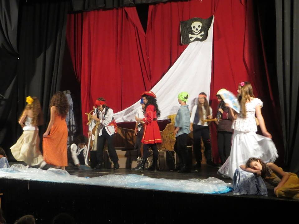 Deca glumci iz Leskovca za drugare iz Vlasotinca