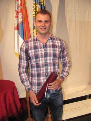 LESKOVAC01_Milan Kitanovic vlasnik dve fakultetske diplome_FOTO M Ivanovic