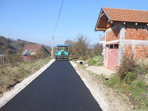 Asfaltiranje seoskih puteva u Poljanici