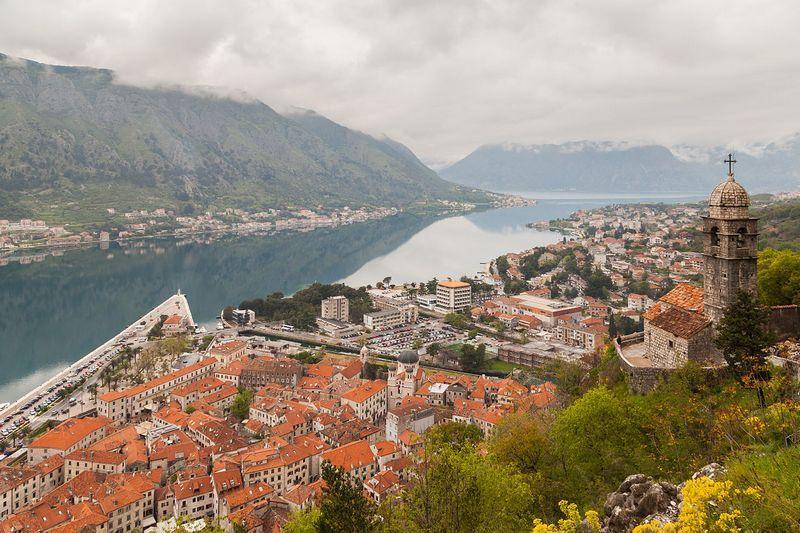 Leskovčanin skočio sa terase hotela u Kotoru
