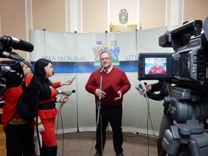 Cvetanović: Pomažemo medijima da izveštavaju tačno, objektivno i nepristrasno