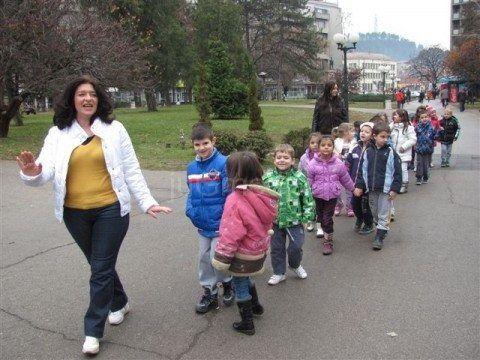 U leskovačkim vrtićima deca preko predviđenih normativa