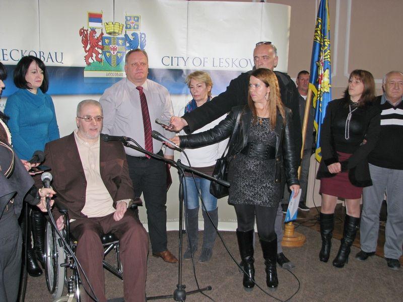 Svetski dan osoba sa invaliditetom: Pohvale i kritike