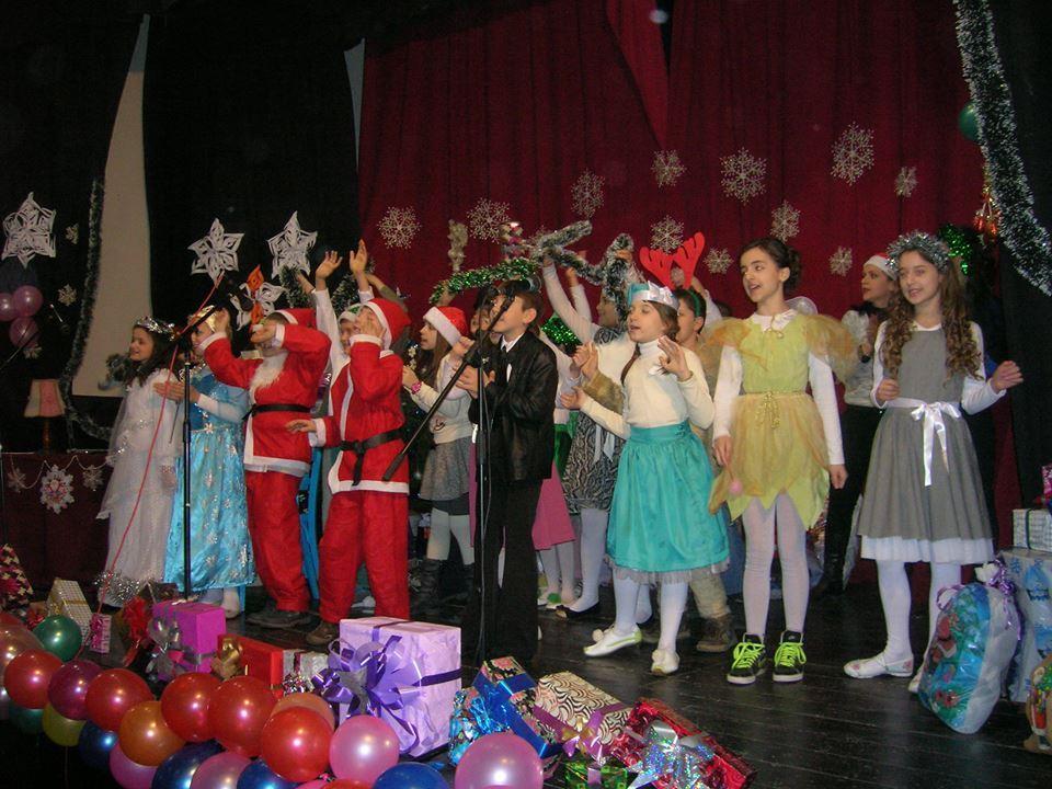 """Vlasotinački mališani u """"potrazi"""" za Deda Mrazom"""