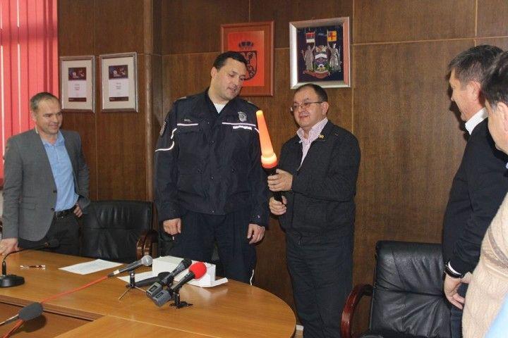 Donacija Saobraćajnoj policiji vredna milion dinara