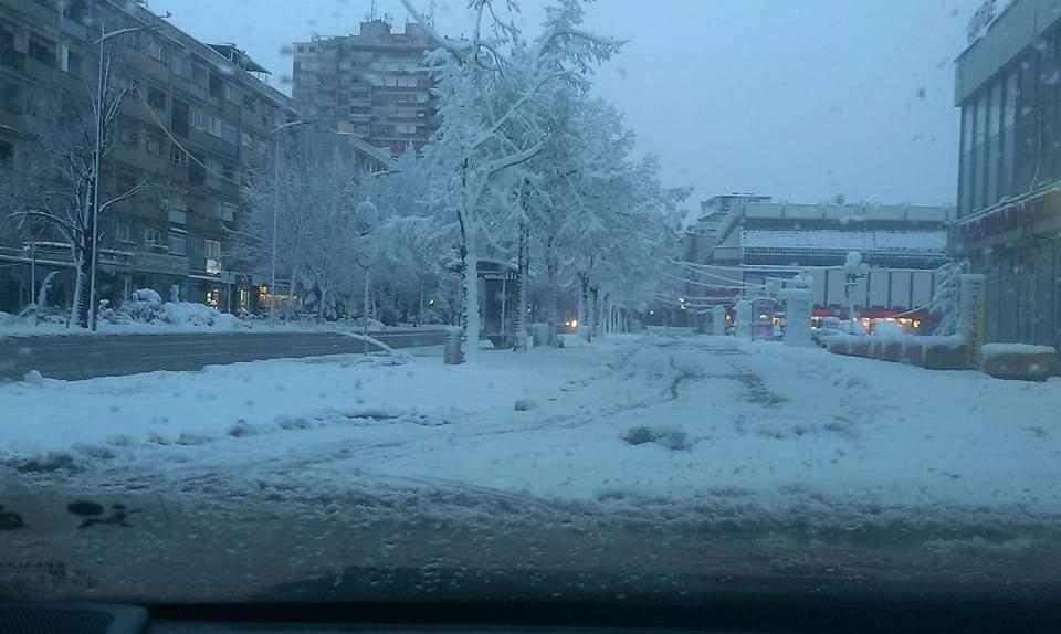 Ulice u Leskovcu prohodne, sneg se topi pri padu