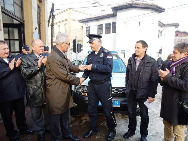 Policija u Vlasotincu dobila ključeve Dacie