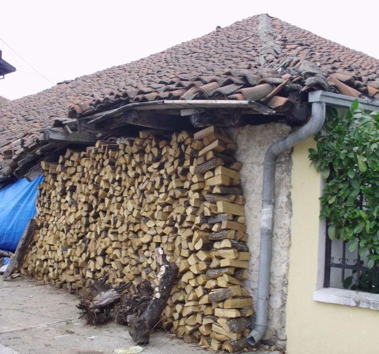 Vlažno drvo nikada ne stavljati u podrume