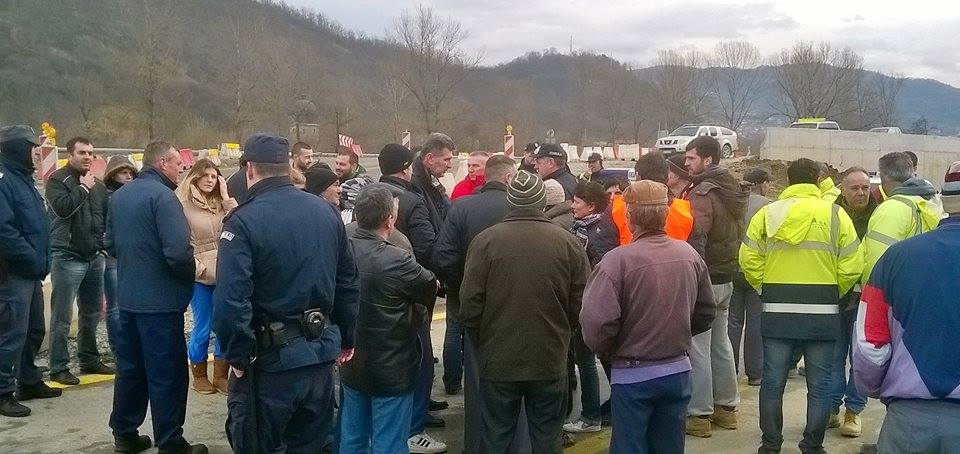 Meštani Burgica blokirali regionalni put Grdelica-Leskovac