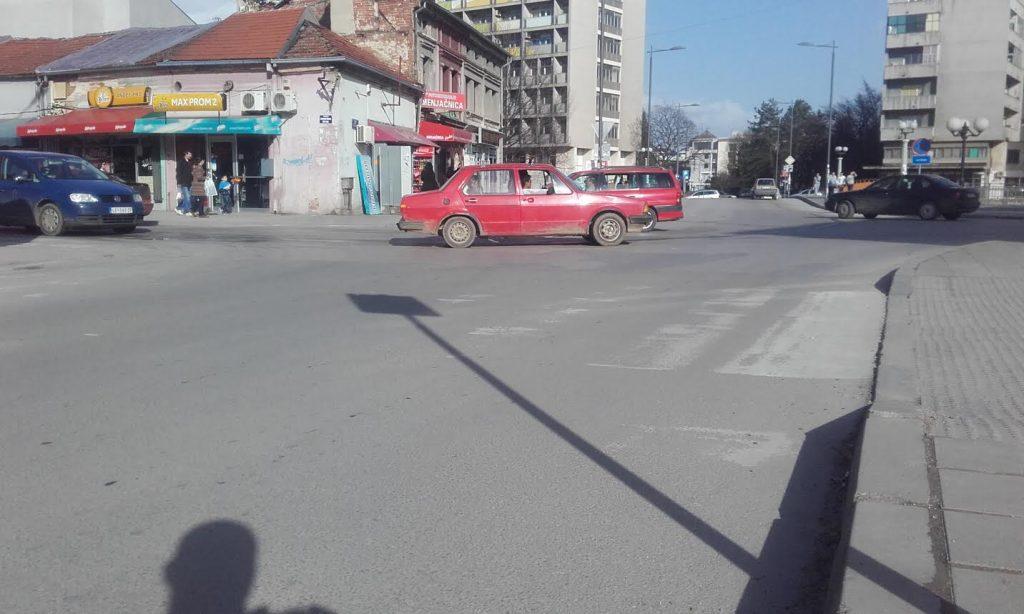 """Na pešačkom """"po sećanju"""" jer u Leskovcu oni nestaju"""