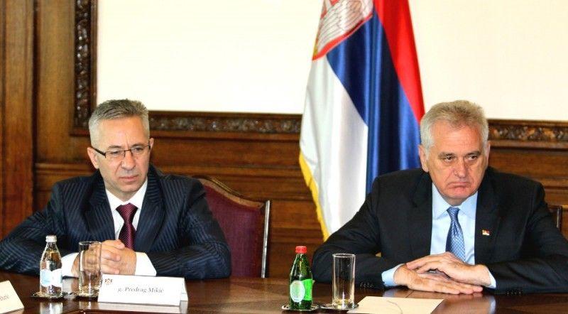 MUĆKE Nikolićev savetnik završio Visoku poslovnu školu u Leskovcu za godinu dana?!