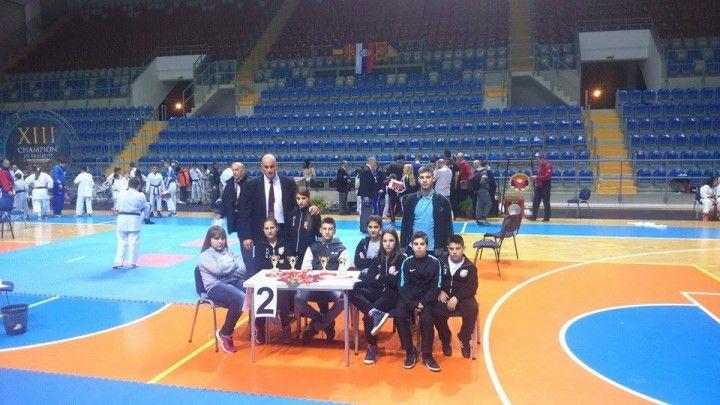 Karatisti Bušida osvojili 10 medalja