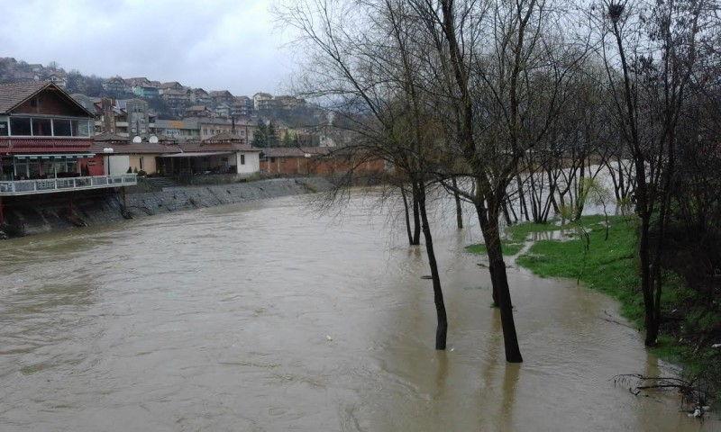 Situacija u Vladičinom Hanu nakon kiša za sada stabilna