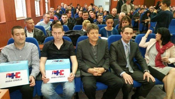 Neće iz koalicije sa SNS, napuštaju Velju Ilića