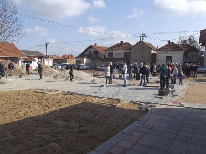 turekovce-trg 2