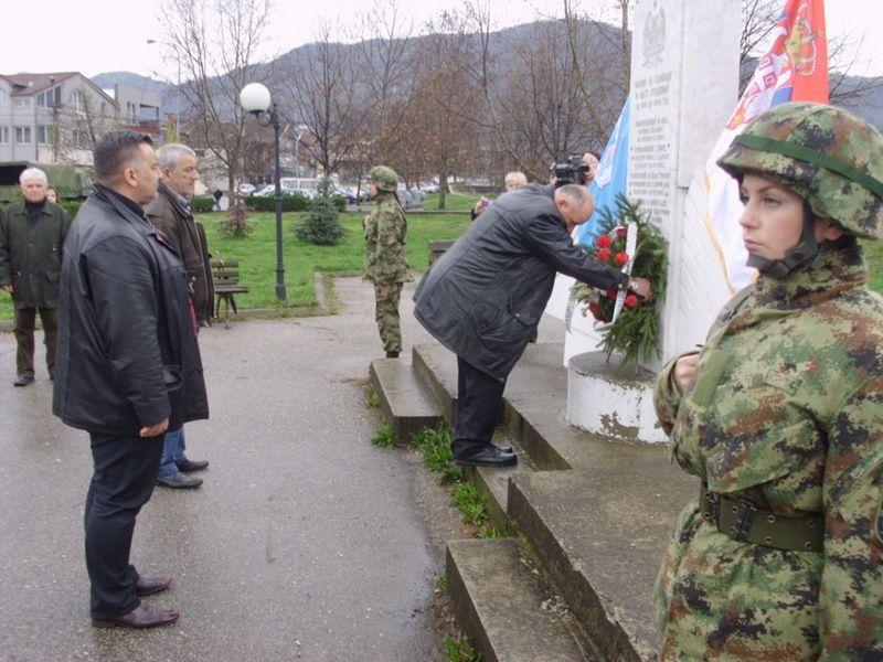 Vlasotinčani se sećaju žrtava NATO bombardovanja