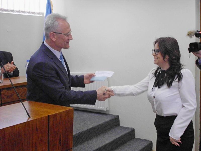 Najbolji studenti dobili po 27000 dinara