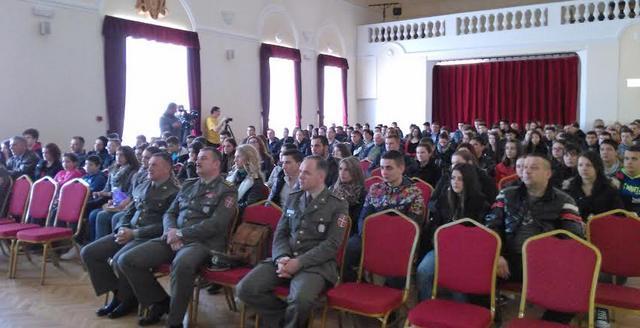 Vojni konkurs okupio đake u Vranju