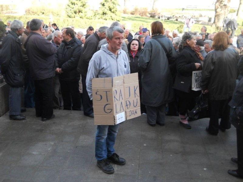 Zoran Nešić prekinuo štrajk glađu posle 48 dana, smršao 10 kilograma!