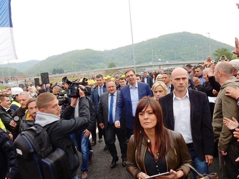 Vučić: Autoput kao pista! (VIDEO,FOTO)