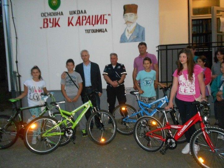 Najbolji znalci saobraćajnih pravila nagrađeni biciklama