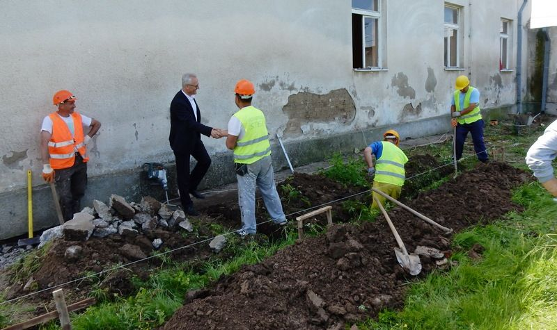 Rekonstruiše se Dom kulture u Batulovcu