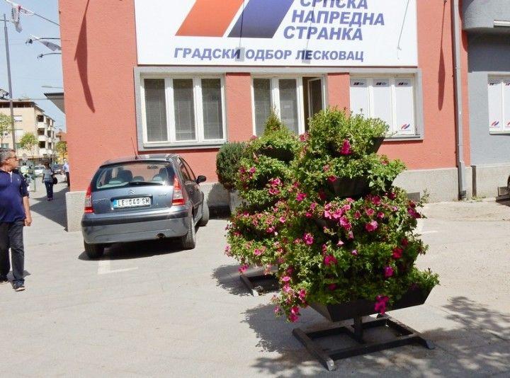 SNS očekuje trijumfalnu pobedu u Leskovcu