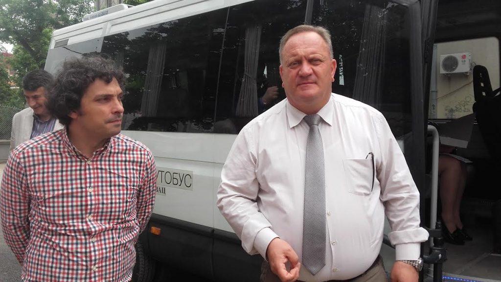 Gradonačelnik obezbedio studentima prevoz do glasačkih kutija