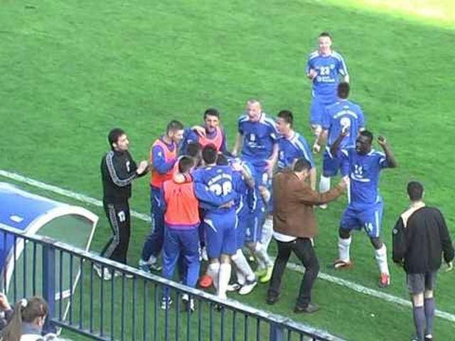 Policija snima utakmicu Radnik – Crvena Zvezda