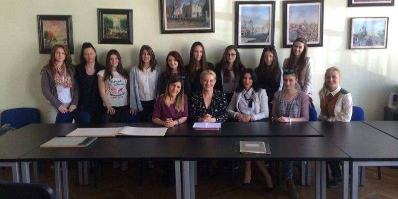 Uspešne žene iz Leskovca savetovale mlade devojke