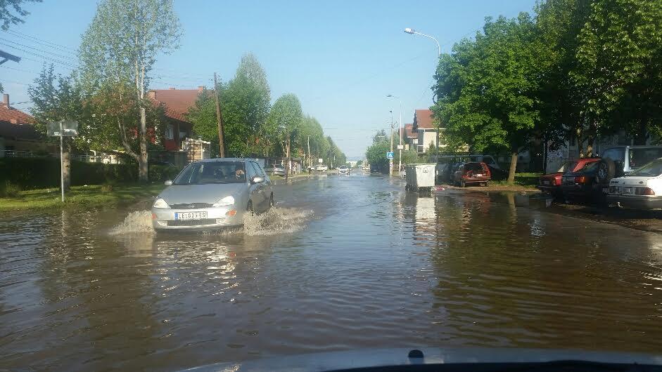 HAVARIJA Poplavljene dve ulice u Leskovcu